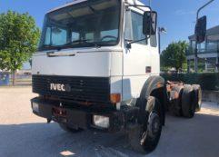 Autocarro Iveco Magirus  330.30 a telaio